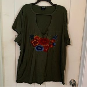 Torrid size 4 embroidered tee